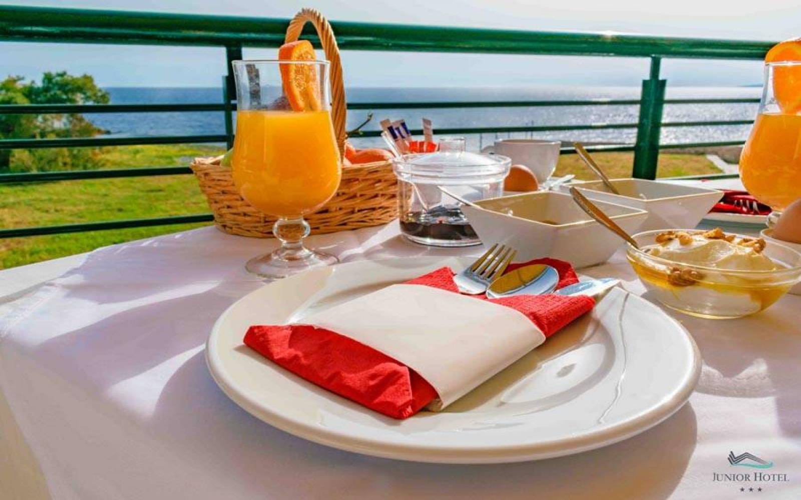 5 Overnights July with breakfast